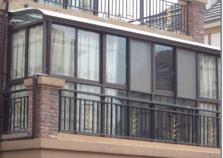 封阳台选断桥铝门窗有何优势,成本高吗