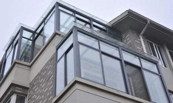 关于封阳台的那些事,你家封没封阳台?